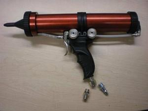 Pistol pneumatic pentru mastic spray1